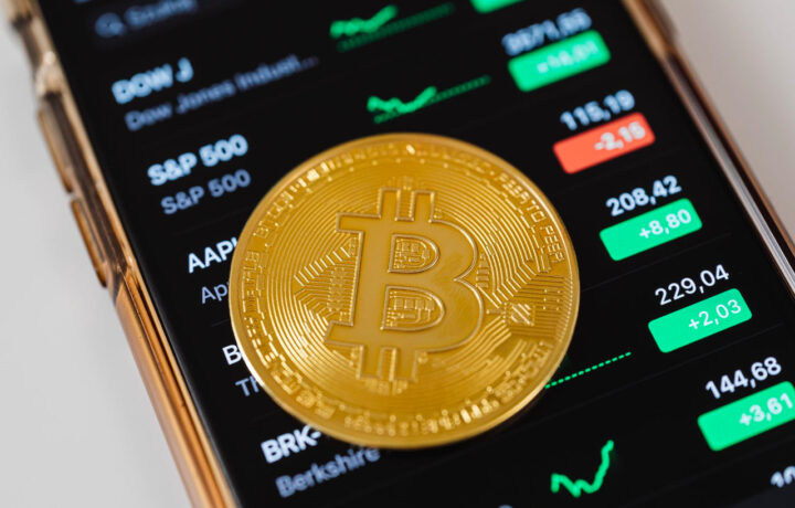 Investing in Bitcoin: Better than Stocks?